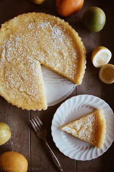 French Lemon Tart – Living The Gourmet Französische Zitronentarte – Living The Gourmet Gourmet Desserts, Lemon Desserts, Lemon Recipes, Tart Recipes, No Bake Desserts, Just Desserts, Gourmet Recipes, Sweet Recipes, Delicious Desserts