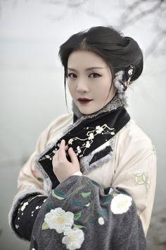 """""""清辉阁/Qinghuige Hanfu (han chinese clothing) collections, Part 8 (Pt. 7/9). """" This collection features wiinter cloaks & accessories."""