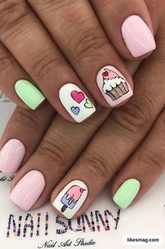 43 Super Cute Nails You Can Totally Do at Home Cute Cupcake Nail Design Sparkly Nails, Pink Nails, My Nails, Best Acrylic Nails, Acrylic Nail Designs, Nail Art Designs, Nails Design, Stylish Nails, Trendy Nails