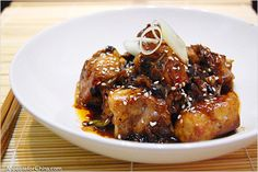 Black Bean Spare Ribs Recipe - In Chinese cooking, there are few ingredients more versatile than fermented black beans. You can use it to flavor steamed fish, eggplant, or one of my favorite Sichuan dishes, twice-cooked pork. It has a pungent, earthy aroma; a spoonful of black beans packs so much flavor you often don't need additional salt. One way to use fermented black beans is to buy them whole, rinse them under cold water, and chop them up. #30-minutemeals