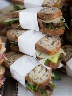 Gourmet sandwiches to go Sandwich Packaging, Food Packaging, Packaging Design, Sandwich Shops, Sandwich Catering, Sandwich Recipes, Cafe Food, Food Menu, Deli Food
