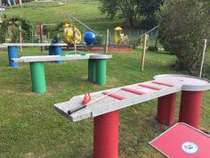 Lust auf eine Runde #Pitpat? Das lustige Spiel ist eine Mischung aus #Minigolf und #Billard und bringt Riesenspaß für die ganze Familie. Die Pitpat-Anlage im #Freizeitpark Zahmer Kaiser steht für dich bereit. #Zahmerkaiser #Kaiserwinkl #Walchsee #Tirol Kaiser, Miniature Golf, Funny Games, Amusement Parks, Circuit