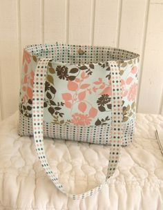 Mrs. Langley's Tote Bag Sewing Pattern – Free!!! « The Hip Home Ec Teacher