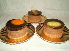 Paradiso dei Dolci Vegan: Vegan Mousse al cioccolato con salsa di mango e ananas