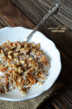 CARROT CAKE OATMEAL (quick oats, raisin, coconut, walnut, cream or coconut milk)