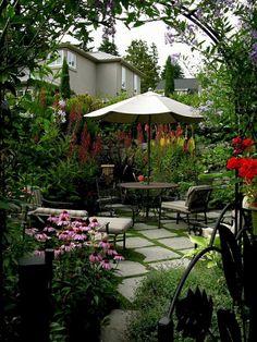 Awesome 50 Creative Diy Small Patio Garden Decoration Ideas. More at https://50homedesign.com/2017/12/28/50-creative-diy-small-patio-garden-decoration-ideas/