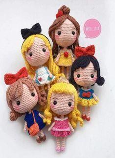 Mesmerizing Crochet an Amigurumi Rabbit Ideas. Lovely Crochet an Amigurumi Rabbit Ideas. Crochet Gifts, Cute Crochet, Crochet Baby, Crochet Poncho, Crochet Disney, Crochet Patterns Amigurumi, Amigurumi Doll, Crochet Mignon, Crochet Princess