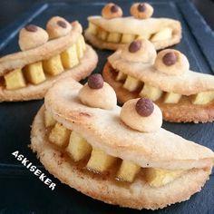 canavar elmalı kurabiye tarifi monster apple cookies recipe yemek tatlı  tarifleri denenmiş kolay lezzetli tarifler delicious yummy tasty taste bake baked baking turkish Halloween