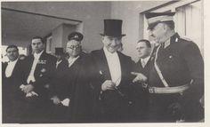 Atatürk'ün Gülümsediği 14 Fotoğraf | MustafaKemâlim