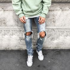 #ootd #ootdmen #street #streetstyle #stylemen #look #style #fashion #fashionista #men #menswear #menstyle #mensstyle #menfashion #mensfashion #simplefits #instafashion #moda #instadaily #fashionpost #denim #destroyeddenim #mnml #outfits #outfitoftheday #weekday #oversize #mint #greensweater #superstar