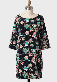Leilani Floral Shift Dress at #Ruche @shoprucheI I am in love with this dress!