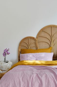 Dreamy hues of purple, lilac french linen bedding. Rattan Furniture, Home Furniture, Furniture Makeover, Dresser Makeovers, Paint Furniture, Furniture Design, Lilac Room, Dream Rooms, Beautiful Bedrooms