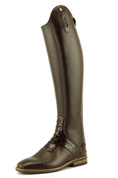 It's all in the accents!  Petrie Aachen in middlebrown calfleather with darkbrown croco accents