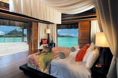 Dream bedroom... Amazing  tropical panoramic water views a MUST!