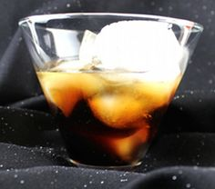 Black Russian drink recipe: vodka and Kahlua over ice