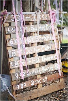 35 Quirky wedding ideas - Wedding programme | CHWV
