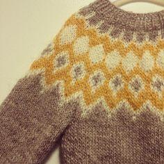 """""""// I S L Æ N D E R // #nevernotknitting#knit#knitting#knitwear#knitsforkids#knittersofinstagram#drengestrik#strik#strikke#storesøster#lettlopi#loki#lokikal#handknit#suckerforbarsel#uld#manglerkunlynlås"""" Photo taken by @lotte_moelgaard on Instagram, pinned via the InstaPin iOS App! http://www.instapinapp.com (11/17/2014)"""