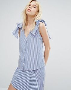 A V-Neck Blouse With Tie Shoulders In Fine Stripe at ASOS. With free delivery and return options (Ts&Cs apply), online shopping has never been so easy. Get the latest trends with ASOS now. Blue Crop Tops, Striped Crop Top, Stripe Top, Tie Blouse, V Neck Blouse, Casual Tops, Unique Fashion, Fashion Online, How To Wear