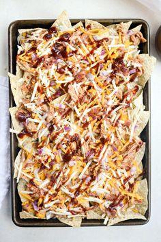 Sheet Pan BBQ Chicken Nachos - Simply Scratch Shredded Chicken Nachos, Bbq Chicken Nachos, Chicken Bacon, Grilled Chicken, Chicken Recipes, Recipe Chicken, Nachos In Oven, Bbq Nachos, Nachos Loaded