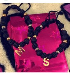 Manillitas de parejas  regalitos especiales  #moda #fashion #manillas domicilios y envíos whatsapp 3113812241 Paracord, Bff, Jewerly, Manila, Jewelry Making, Bracelets, Womens Fashion, Shopping, Instagram