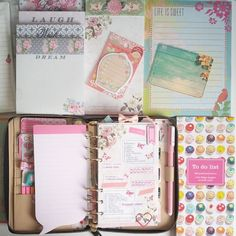 Day 4: Lists! Im using all mixed: Sticky notes, journalcard, notepads, to do lists..And ofc the list of the challenge. ^-^ #pcape #photochallengeaugustplanneredition #katespade #katespadeagenda #diary #agenda #lists #filofax #filofaxing #stickynotes #journalcards #notepad #paper #paperlove #stationery #crafting #crafty #floral #desk #cupcake #stationary #stationerylove #organizer #organization #planner #plannernerd