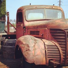 Good Monday Morning everyone! J Birds, Good Monday Morning, Rust In Peace, Rusty Cars, Old Tractors, Love Car, Cool Trucks, Old Cars, Repurpose
