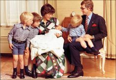 Prince Floris born to Princess Margriet of the Netherlands and Pieter van Vollenhoven (1975)