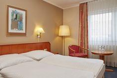 Eindrücke aus einem gemütlichen Komfort-Doppelzimmer im H+ Hotel Lampertheim