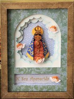 Relicários elaborados com a técnica de escultura em papel usando furadores. R$ 210,00