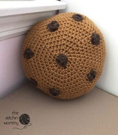 Mini Cookie Pillow - Free Crochet Pattern and Oatmeal Choco-Craisin Cookies | http://www.thestitchinmommy.com