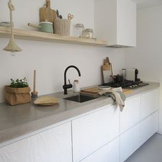 518 likes, 57 comments - Home Apartment Kitchen, Kitchen Interior, Interior Design Living Room, Kitchen Decor, Kitchen On A Budget, Kitchen Living, New Kitchen, Cocinas Kitchen, Diy Kitchen Storage