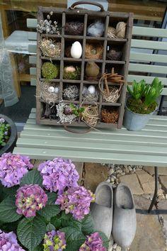 Nest-/Setz-/Bierkasten - Karin Urban - NaturalSTyle - Lilly is Love Sisal, Garden Whimsy, Deco Floral, Gras, Easter Crafts, Ladder Decor, Decoration, Flower Arrangements, Holiday Decor