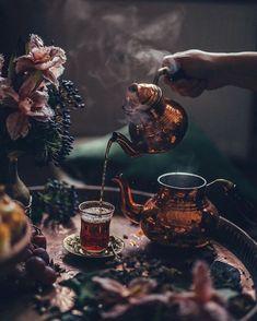 Coffee Time, Tea Time, Tee Kunst, Turkish Tea, Turkish Dessert, Witch Aesthetic, Tea Art, My Tea, High Tea