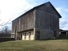 Bank barn on 47 acre farm for sale in Eastern PA