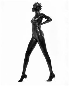 http://thewildmagazine.com/wp-content/uploads/2013/05/Alek-Wek-by-Herb-Ritts.jpg #celebrityportraits