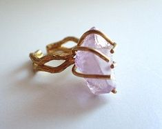 Statement ring with AMETHYST ROUGH Adjustable size Ring base : brass Gemstone : amethyst raw Amethyst Jewelry, Gemstone Jewelry, Raw Amethyst, Purple Quartz, Fine Jewelry, Unique Jewelry, Wedding Rings For Women, Bracelets For Men, Handmade Jewelry
