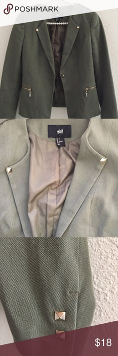 H&M Blazer. Army green. (Re-posh) H&M Blazer. Army green. I love this style and color but the arms are a bit small on me. Size 6. H&M Jackets & Coats Blazers