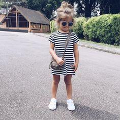 """758 Likes, 16 Comments - Patricya Tobias (@blogdasgemeasls) on Instagram: """"Este vestido é peça chave !!! Confortável , básico e tendência !!! By @patricynhas"""" #KidsFashion"""