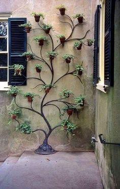 Climbing Pots - Decoration Fireplace Garden art ideas Home accessories Indoor Garden, Garden Pots, Outdoor Gardens, Balcony Gardening, Outdoor Patios, Gardening Tips, Indoor Outdoor, Garden Crafts, Garden Projects