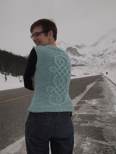 Ravelry: bowie's Bulky Cashmere Cable Vest