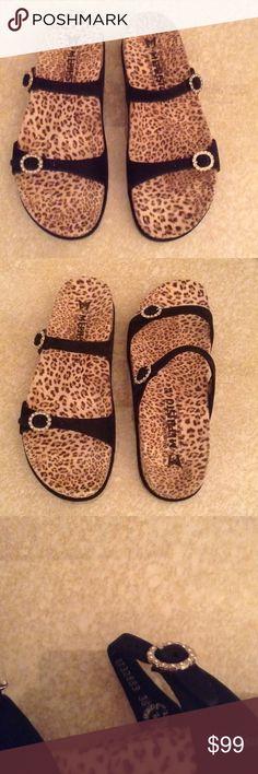33f0ec255f0b MEPHISTO Animal print Sandals Sz 38 8 NWOB MEPHISTO genuine leather animal  print sandals.