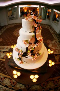 Magnolia tree wedding cake