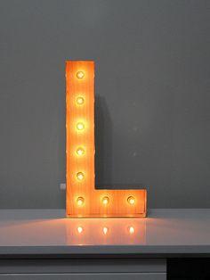 Luminária Retrô Letra L 45cm