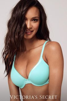 Meet the supersoft bras you be dying to take off the second you get home. Pretty Lingerie, Sexy Lingerie, Exotic Women, Gal Gadot, Bikini Girls, Sexy Women, Victoria Secret, Cute Outfits, Beautiful Women