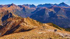 Październikowe Czerwone Wierchy - na Kopie Kondrackiej Tatra Mountains, Carpathian Mountains, Polish Mountains, Top Destinations, Alps, My World, Poland, Monument Valley, Mount Everest