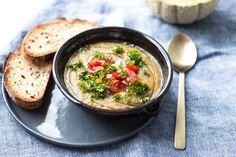 RECEPT: Studená polévka gazpacho z melounu, rajčat a bylinek