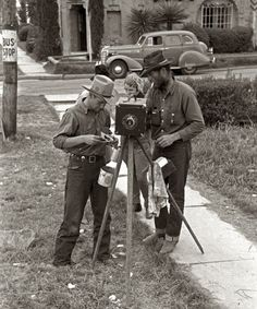 A tintype cameraman on a San Antonio, Texas, street. Photo by Russell Lee, March, 1939.