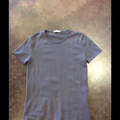 """Kangra concrete 2-3 ply cashmere 44 8 Love Kangra made in Italy always perfect. You can never have too many of these you always look nicer and more chic. Rolled hems length 25.5"""" bust relaxed 33"""" worn with no problems. Price is firm no offers or trades Kangra Sweaters"""