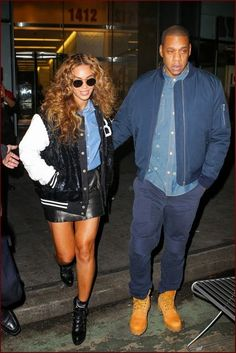 #Beyoncé Steps Out Arm-In-Arm With #JayZ While Roc...