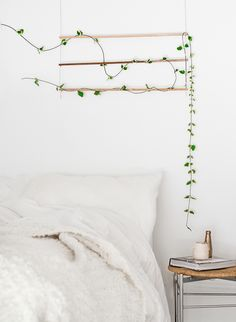 Make this wall hanging for your bedroom in a dew easy steps.